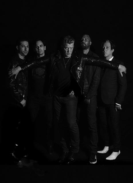 QUEENS OF THE STONE AGE / サマソニ出演決定!全英チャート1位、全米チャート3位、 グラミー賞にもノミネートを果たした新作『Villains』リリース後 初となる来日ステージは必見!